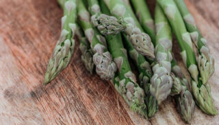 how to pick asparagus